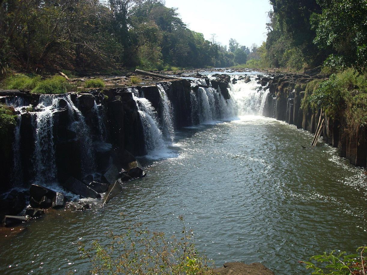 http://www.destinationequateur.info/JosephBlog/wp-content/uploads/2009/03/gf-Laos-080.jpg
